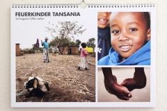 Wandkalender-Feuerkinder-Tansania-Auf-eigenen-Füssen-stehen-00